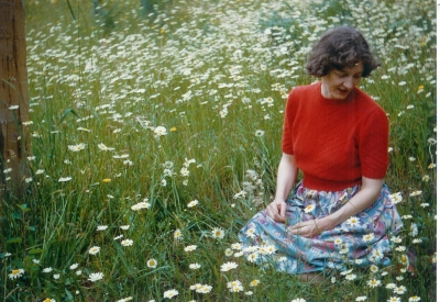 E- ME IN THE DAISIES